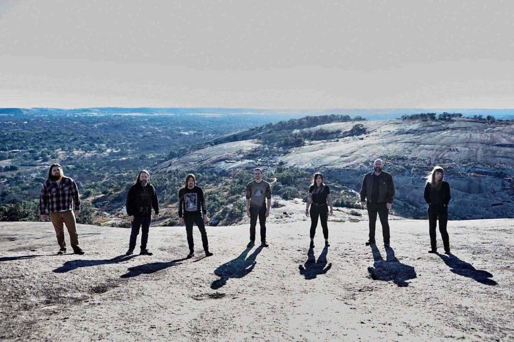 Dead To A Dying World (groupe/artiste)