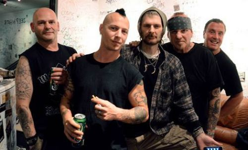 Discharge (groupe/artiste)