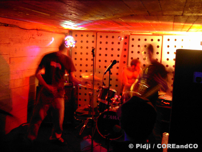 HELLMOTEL + RIGHT 4 LIFE + GENERALL LEE + NESSERIA - Blockhaus DY-10 / Nantes (44) - le 26/03/2005