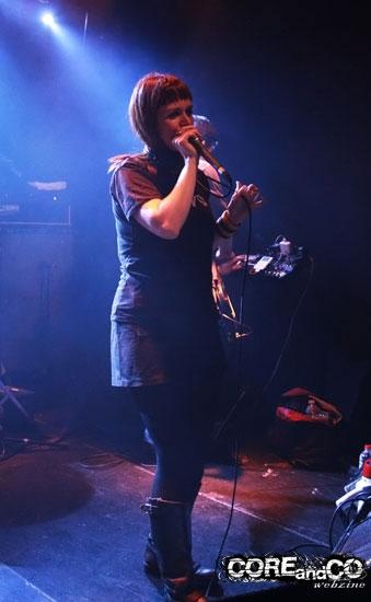 Julie Christmas + Pneu - photo2