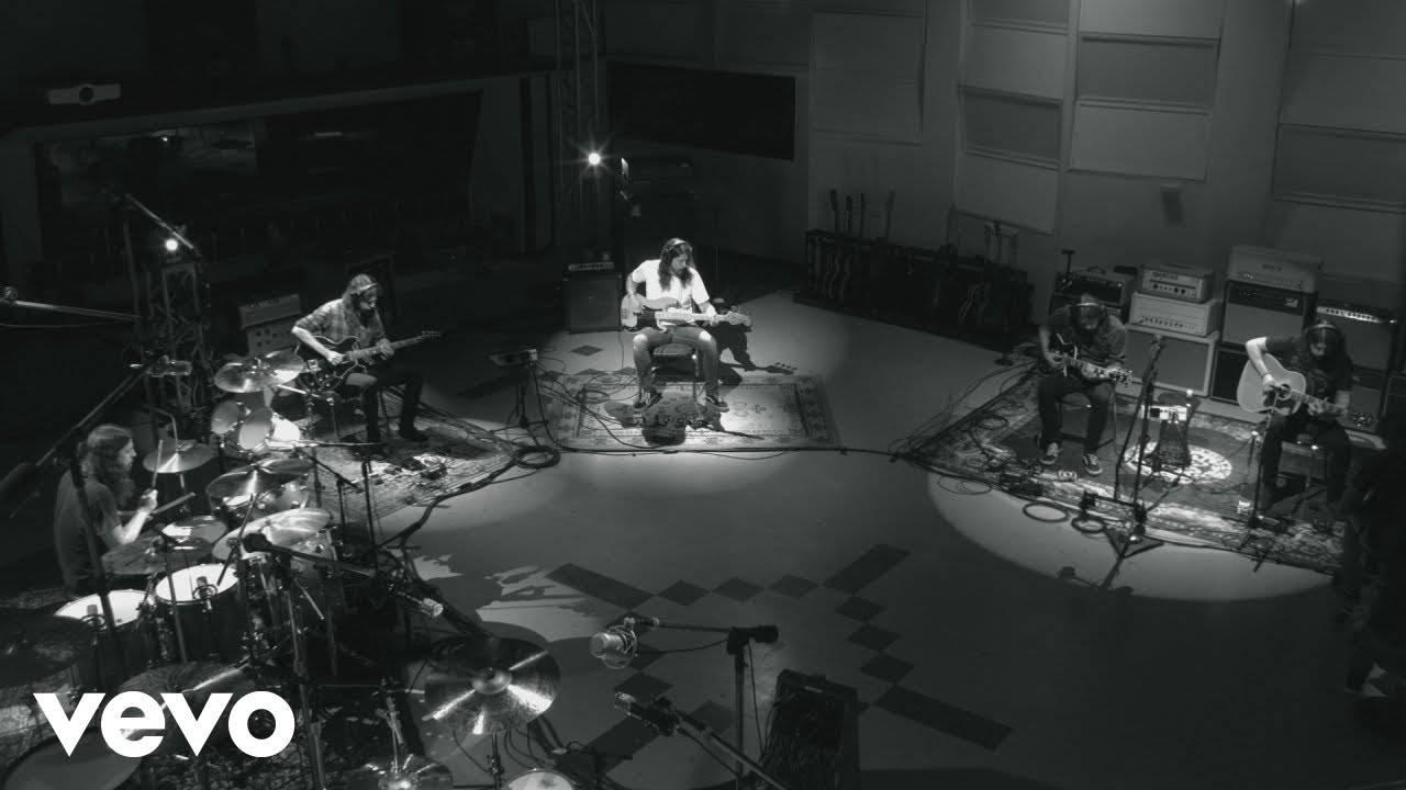 Dave Grohl aime jouer des instruments (actualité)