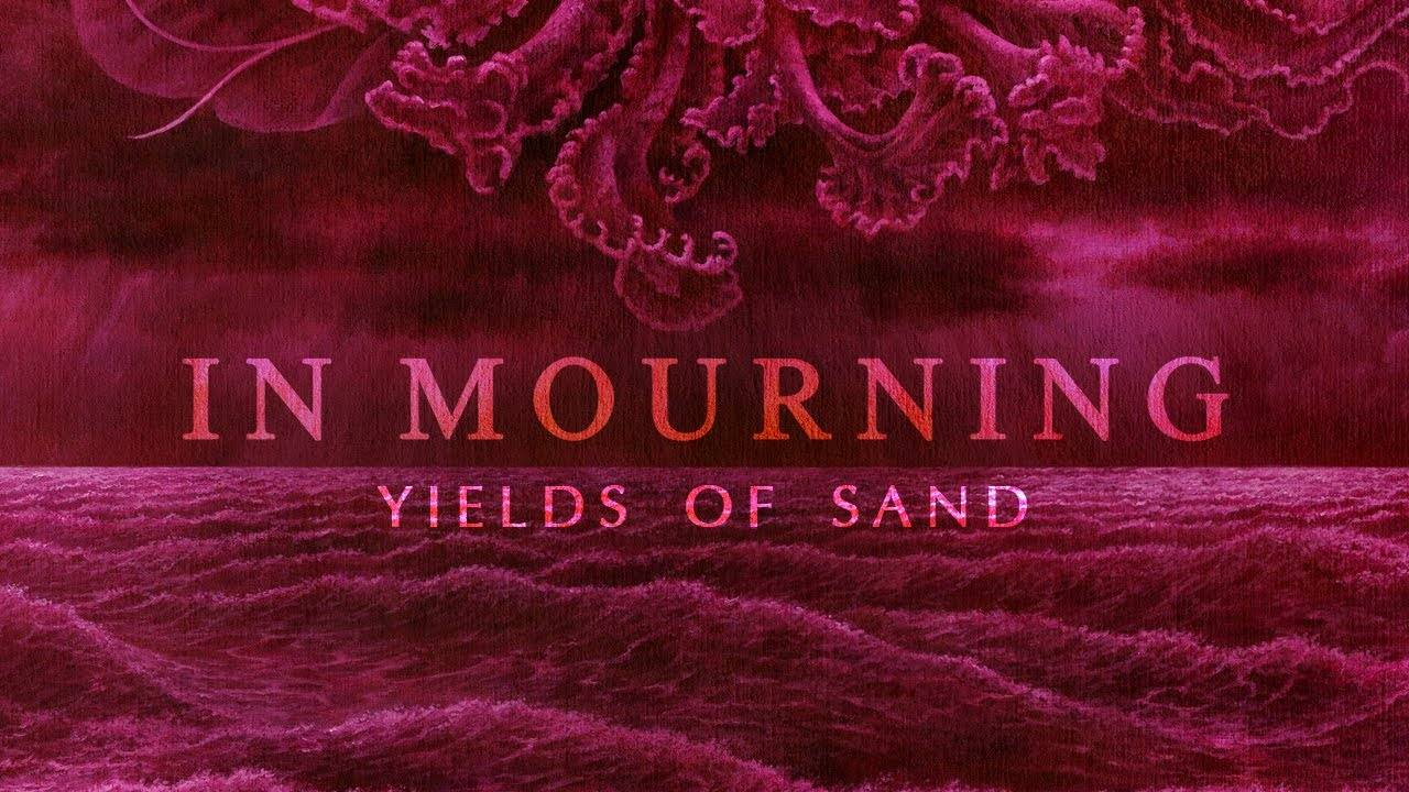 In Mourning joue au sable -