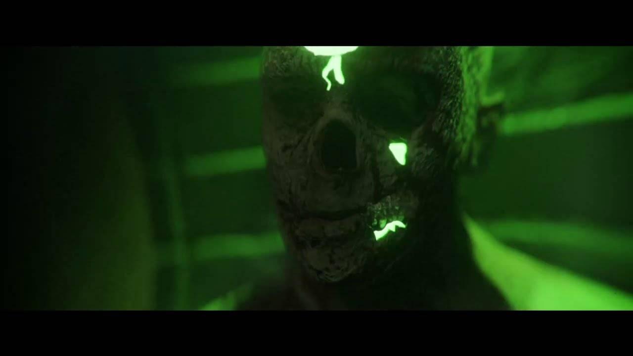 Six Feet Under hache du zombie - Blood of the Zombie (actualité)